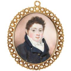 Louis-Philippe Pendant with Miniature Mother-of-Pearl Pearls and Gold Medallion