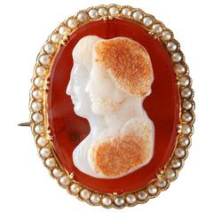 Napoleon III Gold-Mounted Agate Cameo Brooch, 19th Century