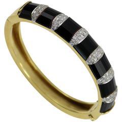 La Triomphe Onyx Diamond Gold Bangle Bracelet
