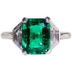 Fine Clear Great Color Colombian Emerald Diamond Platinum Ring