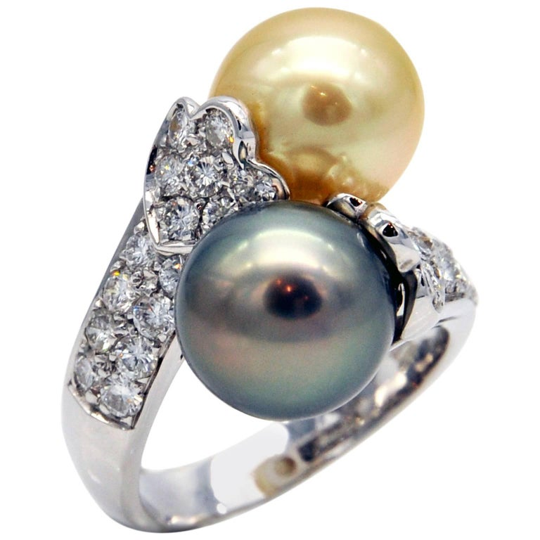 """South Sea and Black Pearl Diamond Gold """"Toi et Moi"""" Ring For Sale"""