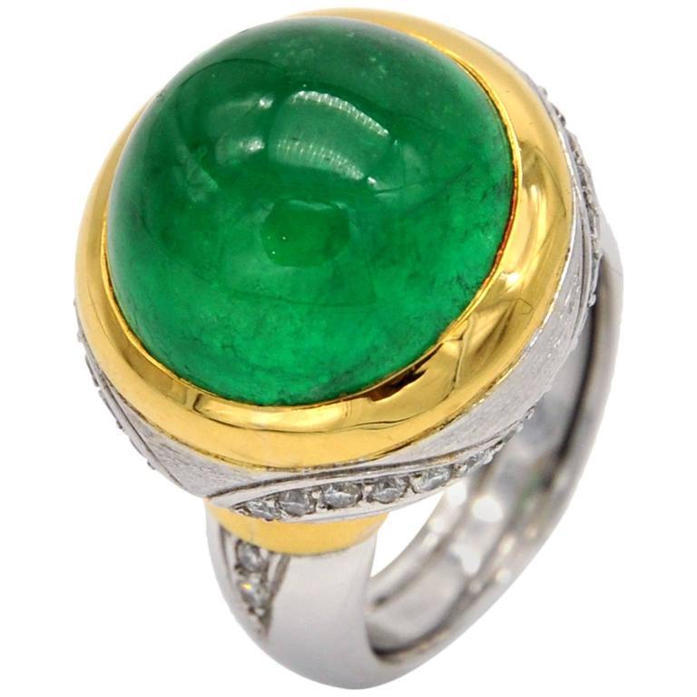 Claris. A Emerald Cabochon Diamond Gold Ring
