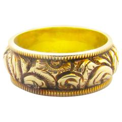 Antique Gold Chased Band Ring