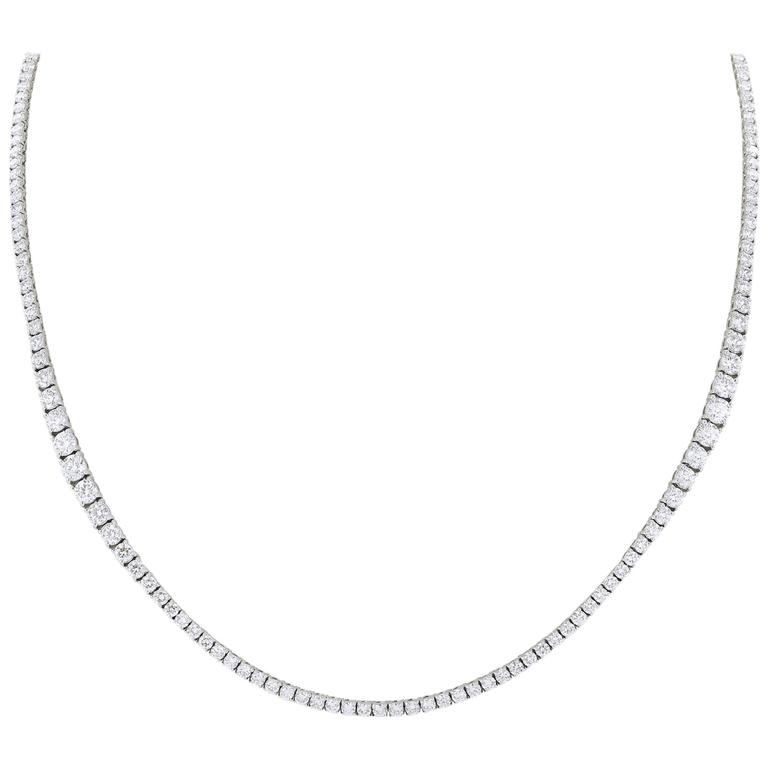 20.87 Carat Diamond Gold Riviere Necklace