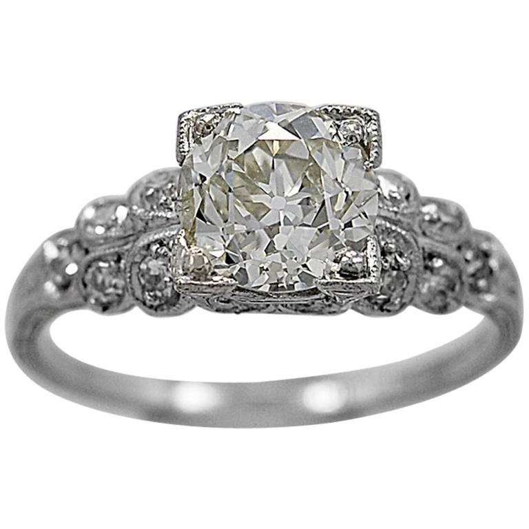 Art Deco 1.35 Carat Diamond Platinum Engagement Ring