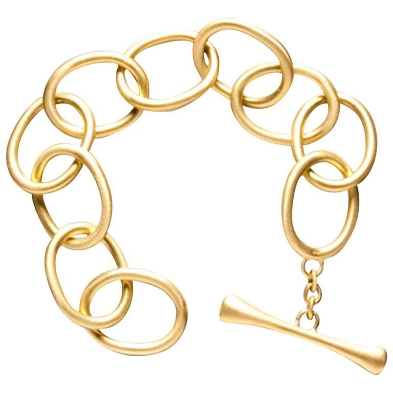 Faye Kim Handcrafted Chunky Gold Link Toggle Bracelet