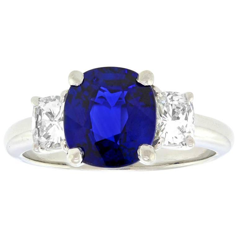 2.50 Carat Sapphire, Diamond and Platinum Ring GIA Certified In Excellent Condition For Sale In Litchfield, CT
