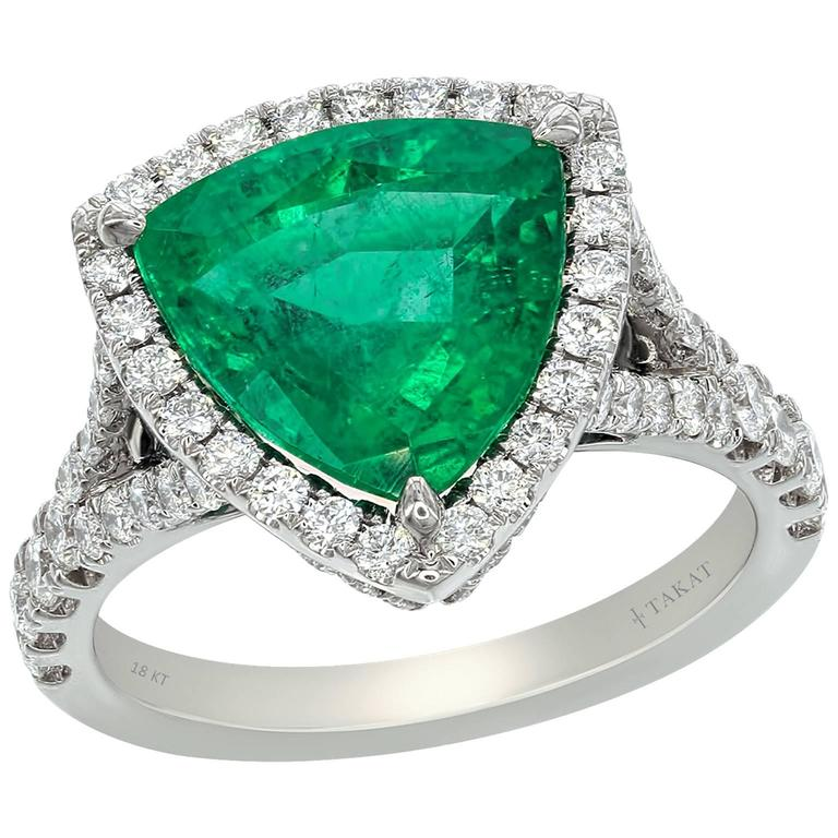 Trillion Cut Emerald Diamond White Gold Cocktail Ring For Sale