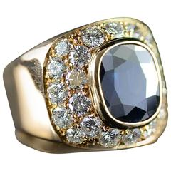 2.85 Carat Sapphire Diamond Accented Gold Ring