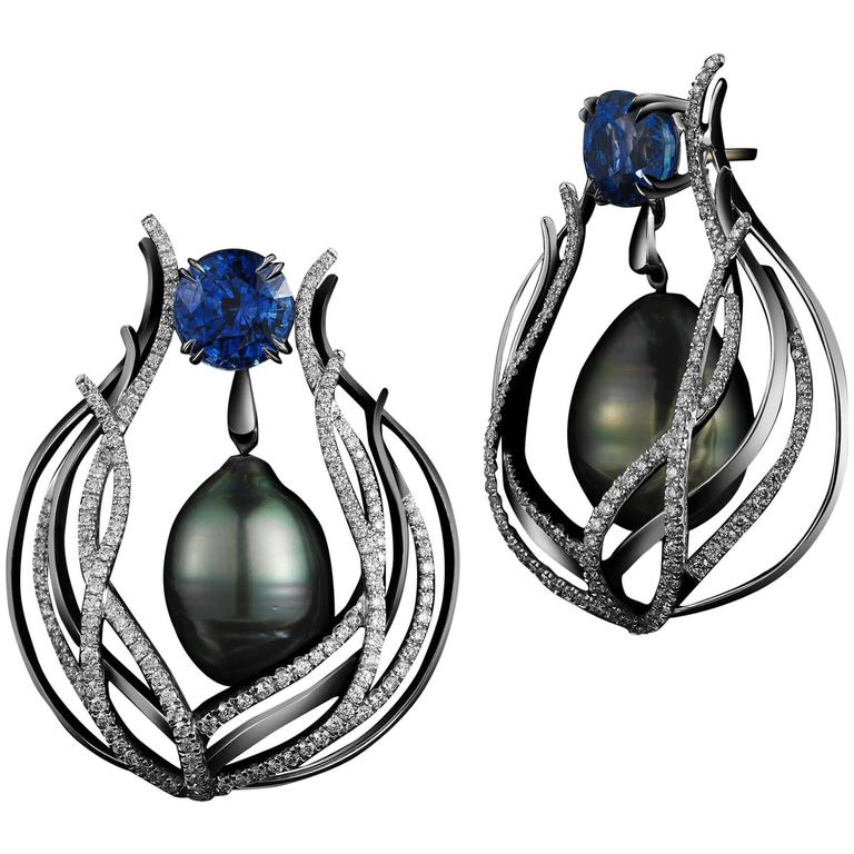 Alexandra Mor Tahitian Pearl Sapphire Gold Curved Earrings For Sale
