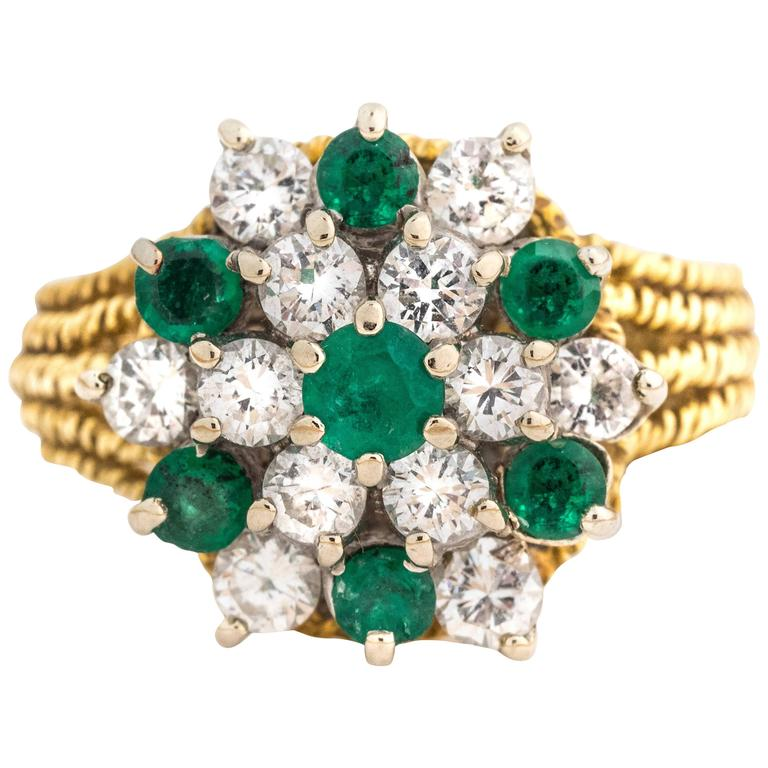 Hammerman Brothers Ornate Emerald and Diamond Yellow Gold Ring, 3 Carat