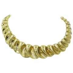 A Gorgeous Gold Necklace Set with Crescent Shaped Links