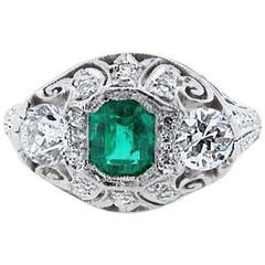 Exqiusite Art Deco Emerald Diamond Platinum Ring