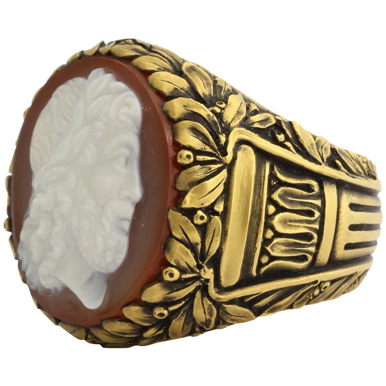 Magnificent American Gilded Age Classical Hard Stone Cameo Chased Gold Ring