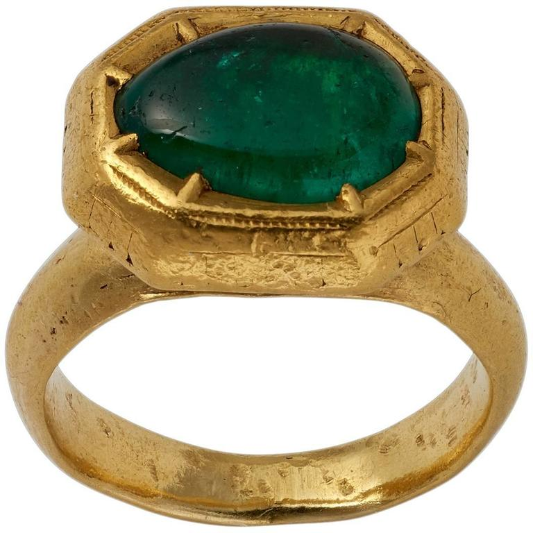 Antique Indian Cabochon Emerald Gold Ring
