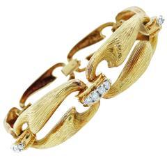 Lush Engraved Diamond Gold Bracelet