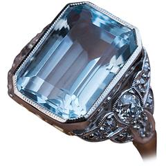 1930s Art Deco Aquamarine Diamond Gold Platinum Ring