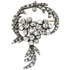 Yellow Gold Beautiful Early Victorian Floral Brooch, circa 1860s