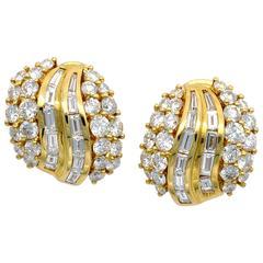 Round and Baguette Diamond 18 Karat Yellow Gold Cluster Clip-On Earrings