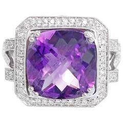 Beautiful Amethyst Diamond Gold Ring