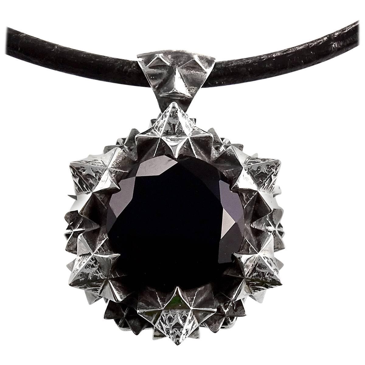 Thoscene Onyx Pendant Necklace