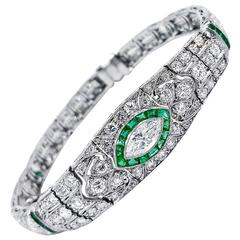 Art Deco 1.75 Carats Emeralds and 4.25 Carats Diamonds Platinum Bracelet