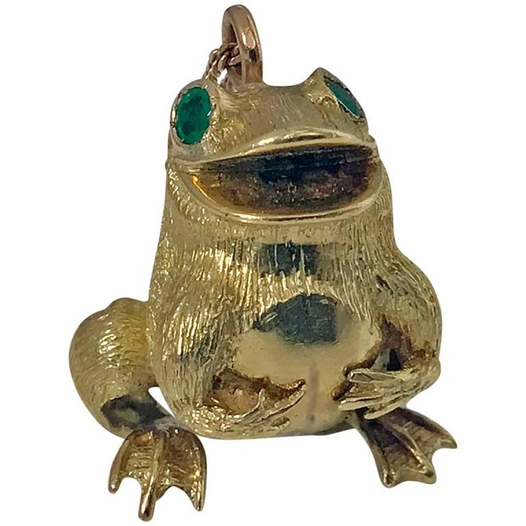 20th Century Emerald Gold Frog Pendant