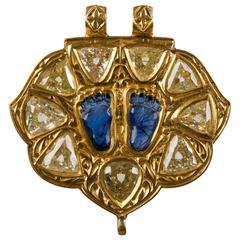Latkan Antique Indian Sapphire Diamond Gold Carved Feet Pendant Necklace