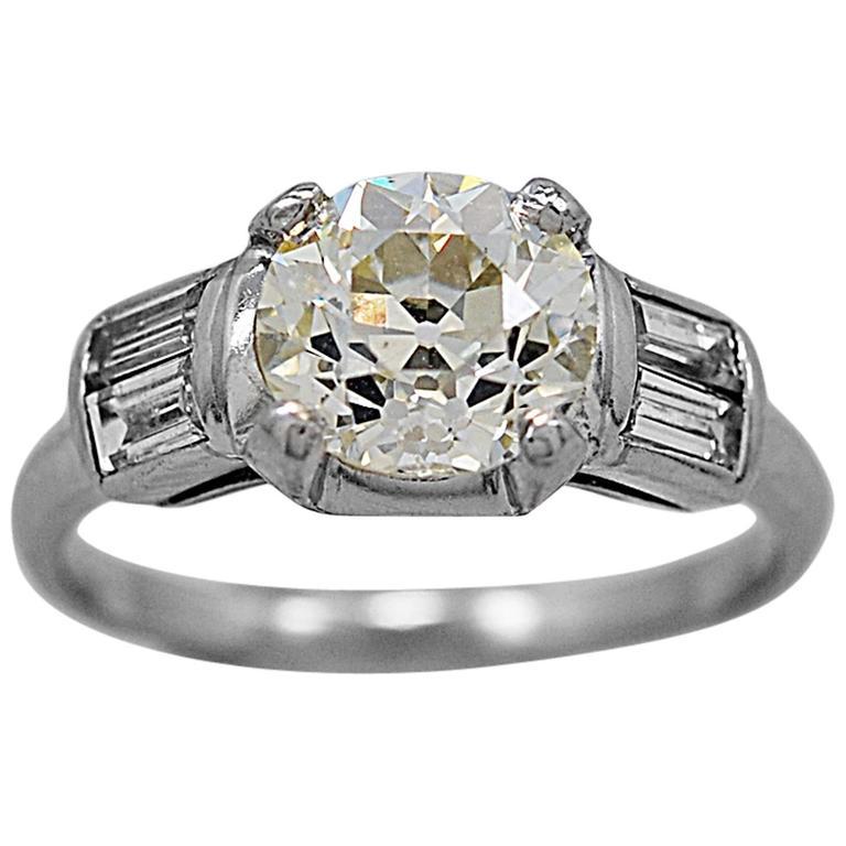 Art Deco 1.28 Carat Diamond Platinum Engagement Ring
