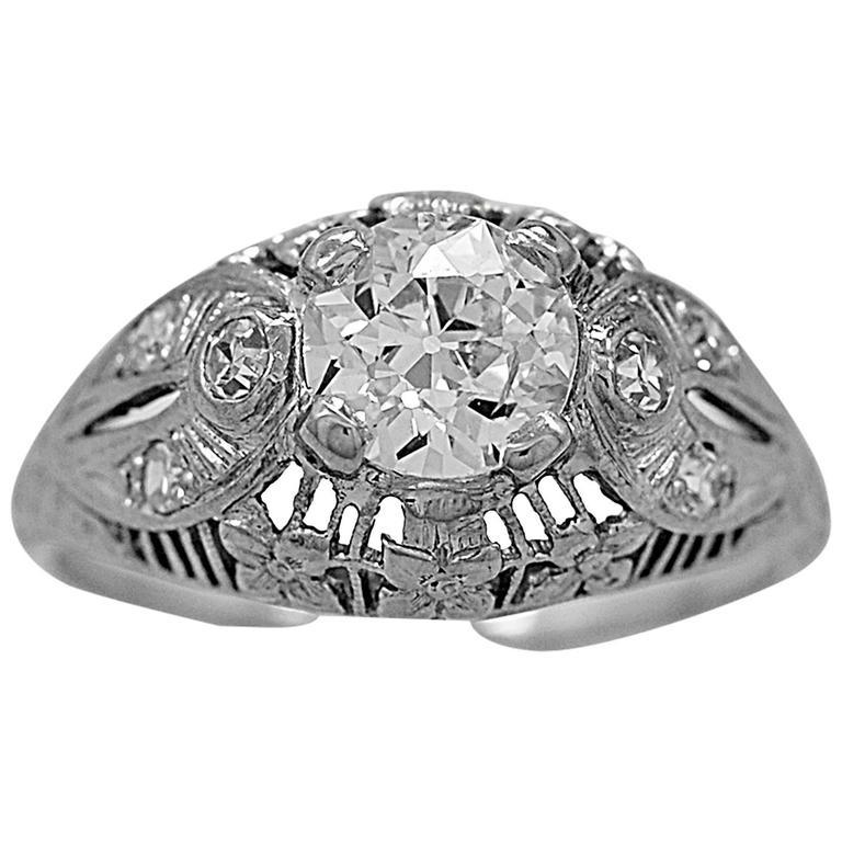 Art Deco 1.00 Carat Diamond Platinum Ring