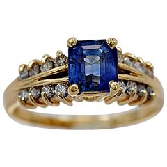 1.50 Carat Sapphire Diamond Gold Engagement Ring
