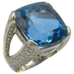 Exquisite Aquamarine Diamond Gold Ring