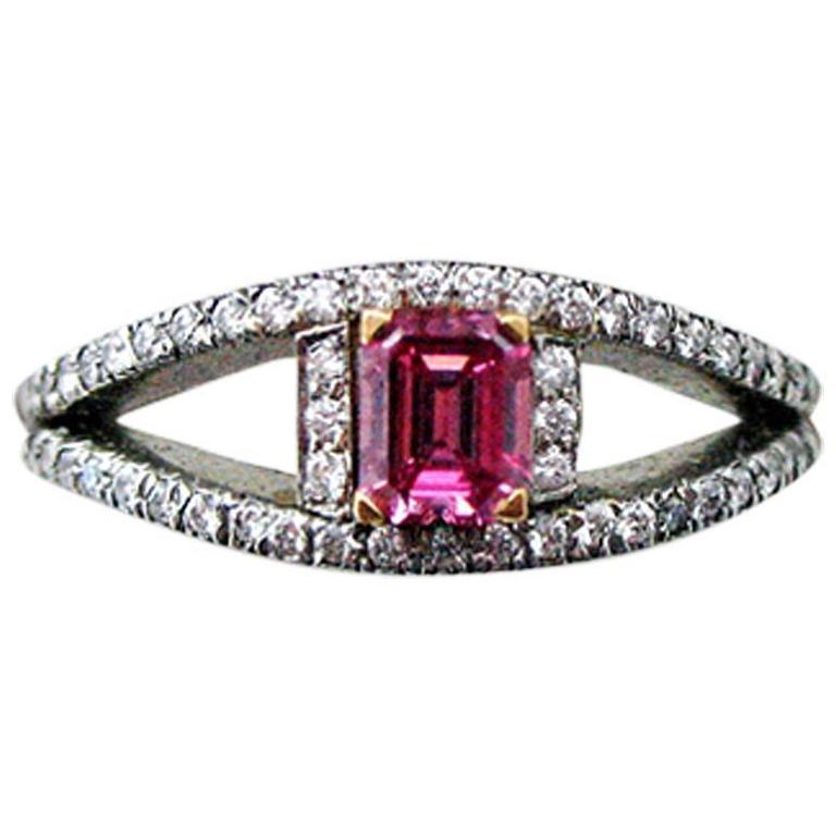 Natural Fancy Vivid Purplish Pink Diamond Platinum Ring For Sale at 1stdibs