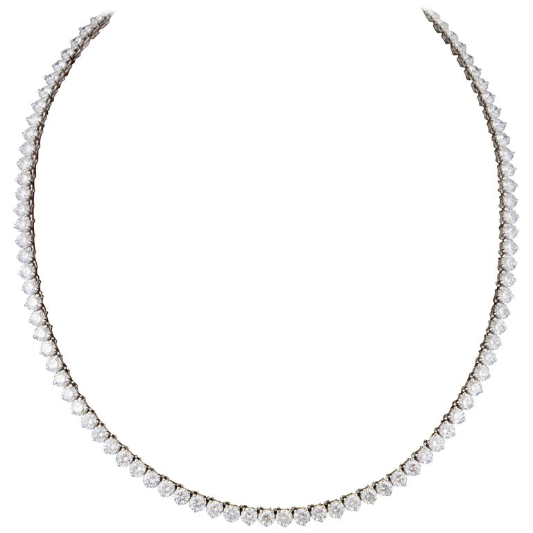 Fine Three Prong Diamond Tennis Necklace For Sale