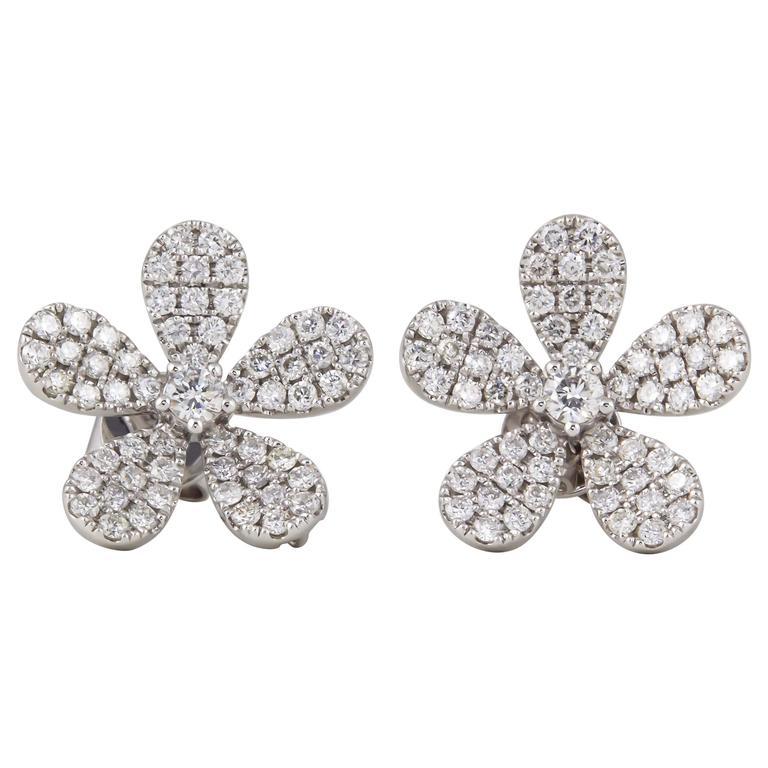 Diamond Scene 1.07 Carats Diamonds Gold Flower Earrings