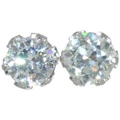 A Pair of Fine diamond Stud Earrings
