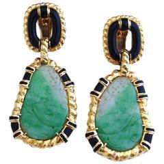 1970s David Webb 18 k Yellow Gold, Jade and Onyx Clip Earings.