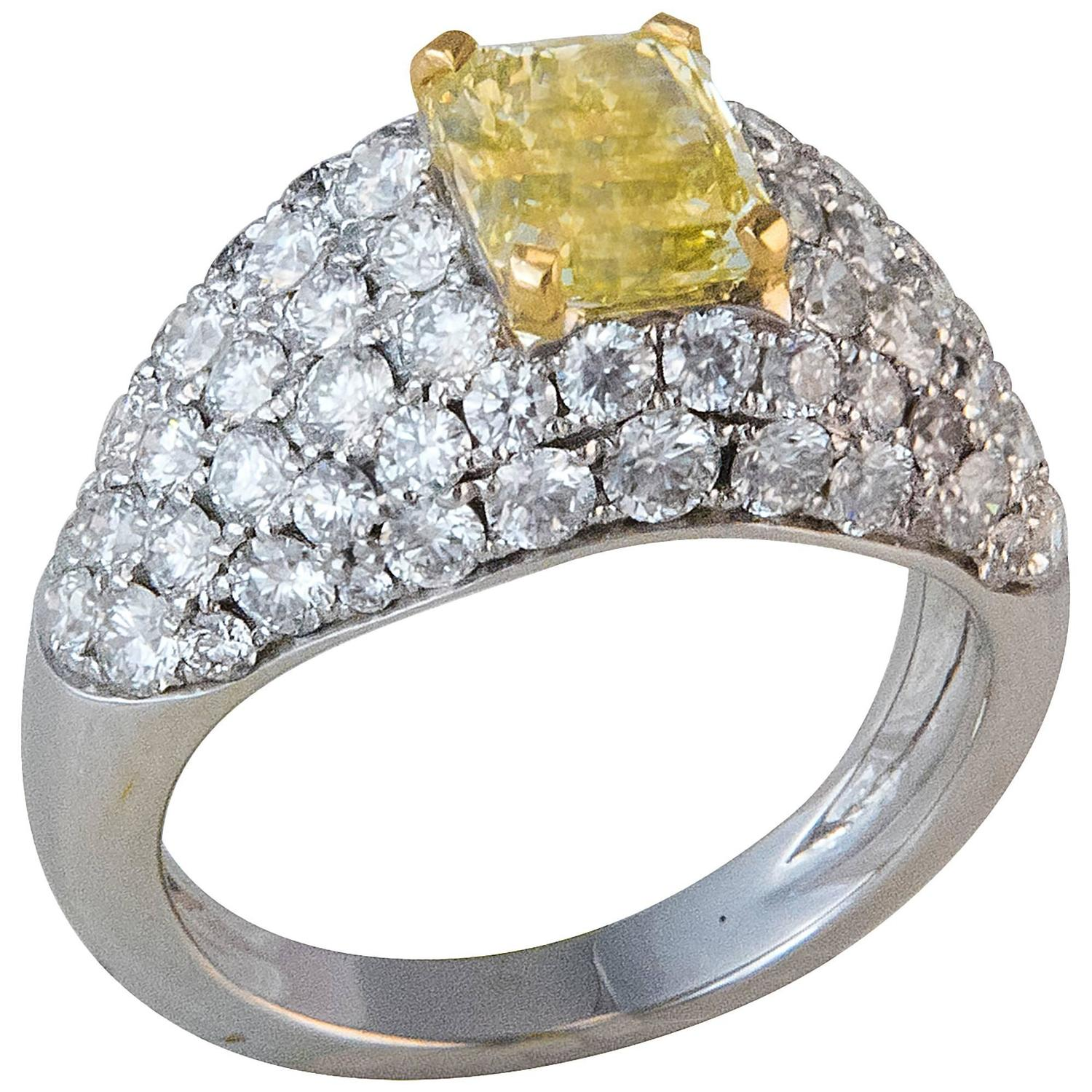 Fancy Yellow Diamond Ring For Sale at 1stdibs