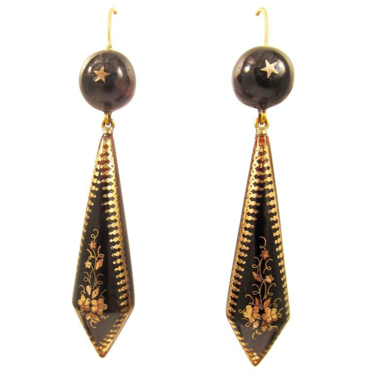 Antique Pique  Gold Earrings