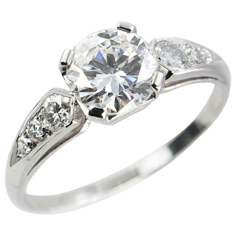 1.05 Carat Diamond and Platinum 1950s Engagement Ring
