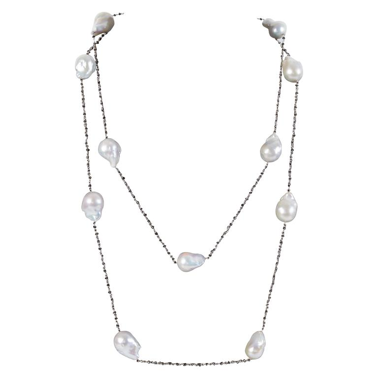 Diamond Scene Baroque Pearl Black Diamond Gold Long Chain Necklace