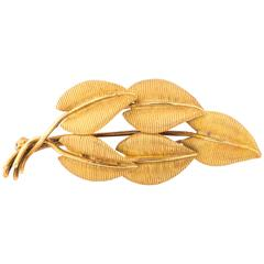 Tiffany & Co. Leaf Motif 18 Karat Gold Brooch Pin, circa 1960s