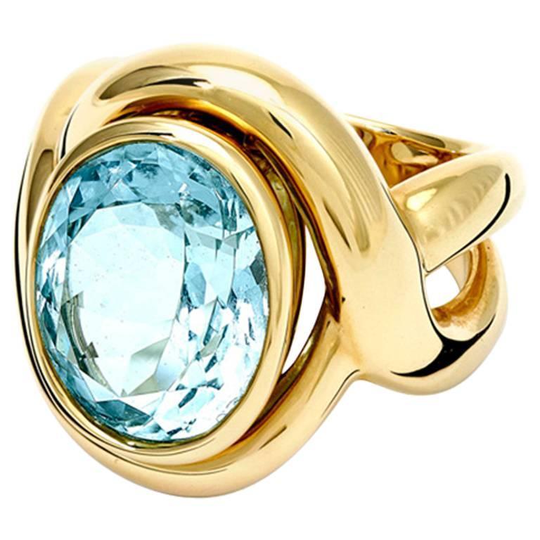 Severine Oval Aquamarine and Gold Ring