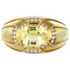David Webb 68.58 CaraT Yellow Sapphire Diamond Gold Cuff