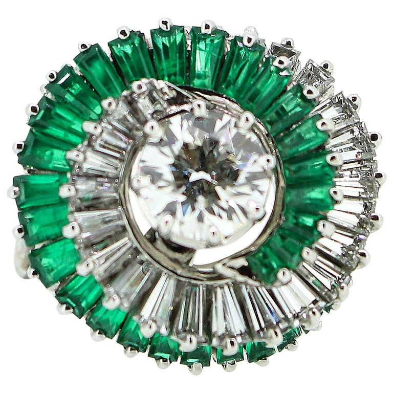 1950s  Emerald  Diamond Spiral Motif Ring For Sale