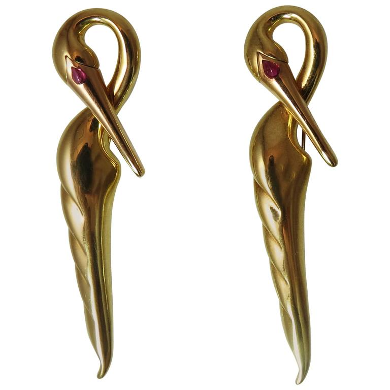 Fantastic Pair of 18K Yellow Gold Michael Bondanza Swan Pins With Ruby Eye