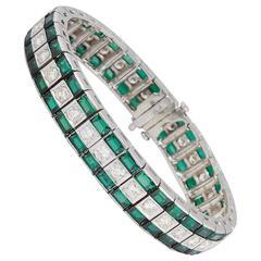 1940s Triple Straightline Green Tourmaline Diamond Platinum Link Bracelet