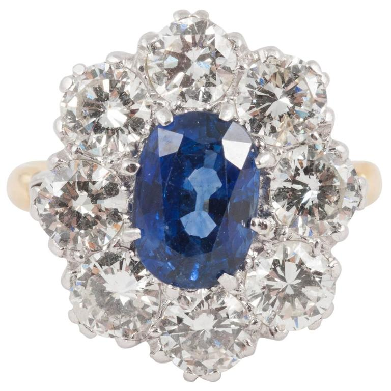Natural Ceylon Sapphire Diamond cluster ring For Sale