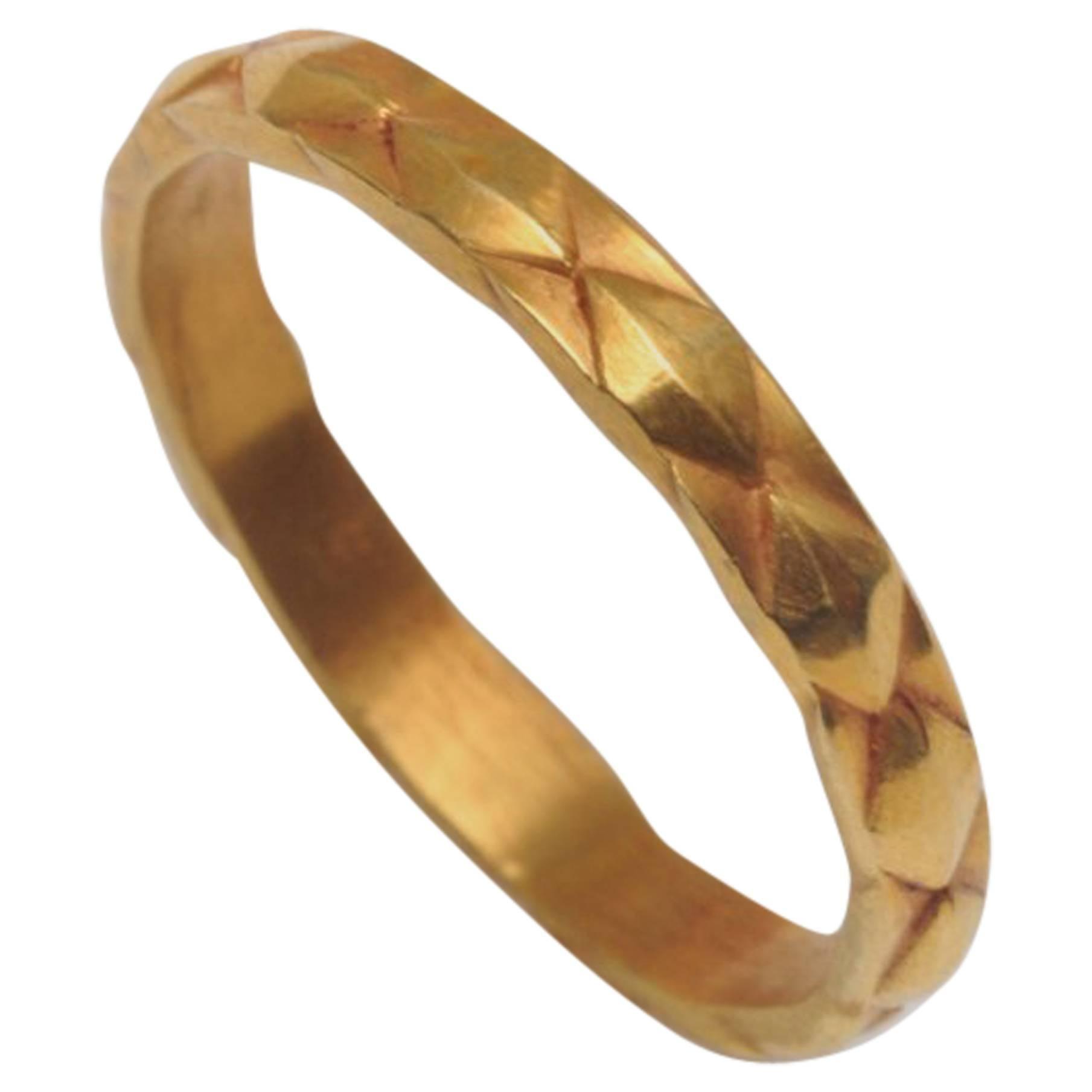 18 Karat Gold Textured Band