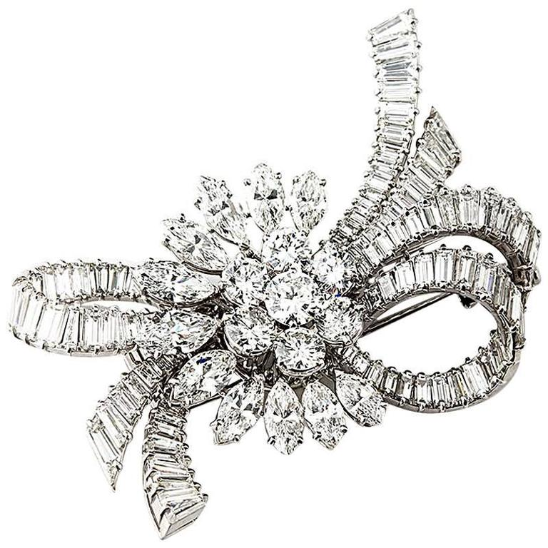 Van Cleef & Arpels 1950s Diamond Platinum Brooch For Sale
